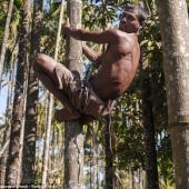 """印男子长37厘米尾巴被奉为""""猴神"""""""