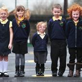 英4岁女童身高不足1米变袖珍萝莉
